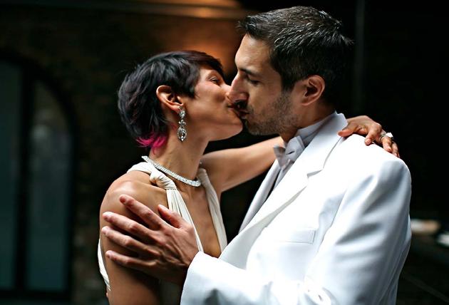 wedding-story-kiss